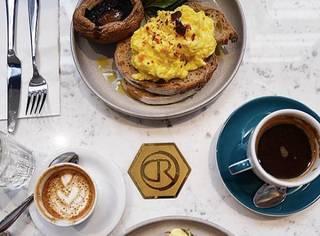 在香港慢活当文青,这8间高品质咖啡店私藏了上环巷弄里的人情味