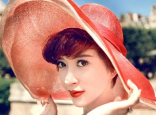 她与蒋勤勤并称电影学院的两朵金花,生日请来半个娱乐圈