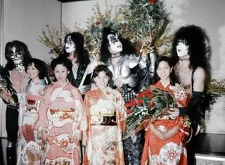 历史图:摇滚巨星在日本