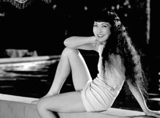 裸露,被封杀,但在好莱坞的澳门金沙官网上,一百年也就出了这么一个中国女人
