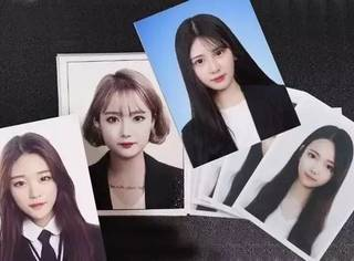 证件照怎么拍怎么丑,学学杨幂、唐嫣、IU的拍照小心机吧!