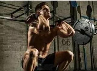 竹竿腿的克星:四个动作增强你的下肢力量