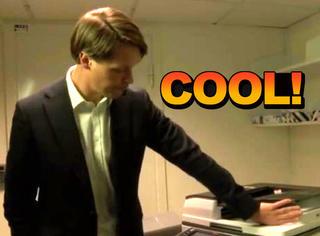 这个芯片植入手指后,你可以直接控制打印机