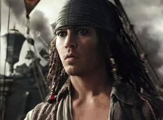 年轻的杰克船长帅炸!《加勒比海盗》的灵魂却已老去