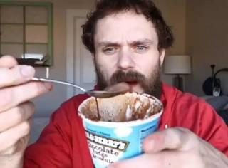 减肥邪教!靠着100天里只吃冰淇淋,这哥们减了15公斤...