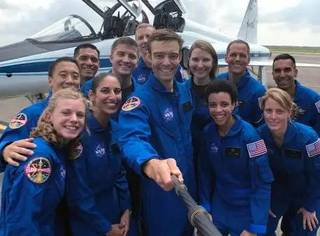 1.8万人报名参选NASA宇航员,这是12名胜出者的简历