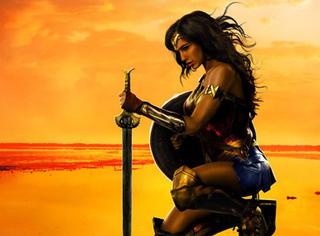 一个迷思:神奇女侠为什么那么吸引男性影迷?