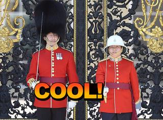 她是300年来第一个在白金汉宫指挥卫队的女队长
