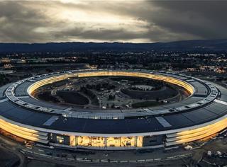 苹果用你们30万个肾造的新总部大楼,让设计师们气的要辞职!
