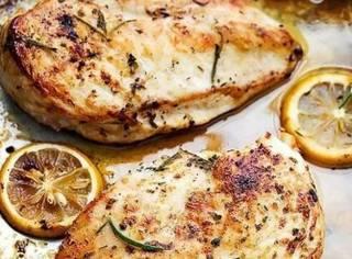 鸡胸肉做法那么多,别再吃水煮鸡胸肉了!