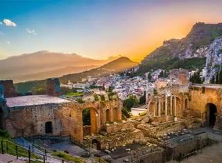 在充满人间烟火的西西里小城,每个人都想要回到过去