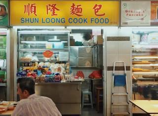 比起米其林餐厅和金沙的无边泳池,我更爱新加坡的小贩中心啊。