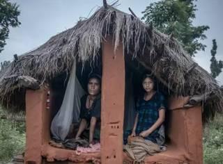 尼泊尔少女因来月经被驱逐而死,他们认为月经和分娩不吉利?