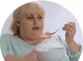 """减肥时总感觉饿?别愁,用这6招""""把胃饿小"""""""