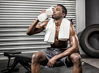睡觉前补充蛋白质,肌肉长得才快?