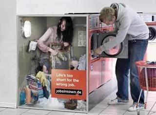 什么?原来,美国的ATM机里真的有人啊!