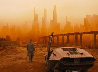 时隔35年,《银翼杀手》推出续集,还能延续影史杰作吗?