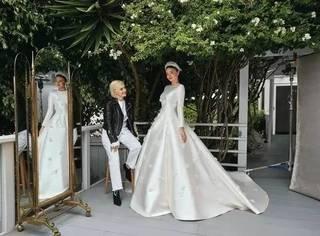 米兰达可儿的婚纱照曝光,简直完美诠释女神两字....