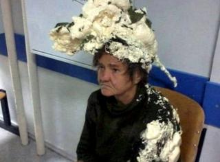 """女士不小心拿错发胶,成年度最棒发型,""""美""""的令人窒息"""