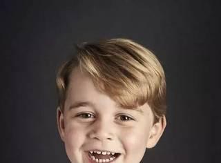 """乔治小王子4岁了,但感觉""""乡巴佬表情包""""已经火了很多年。。"""