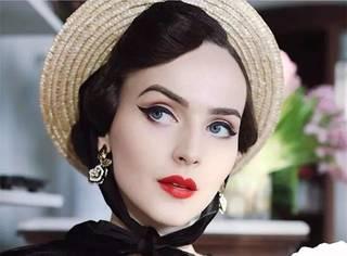 90后姑娘复古造型爆红ins,生错了时代的她用美丽穿越了时空!