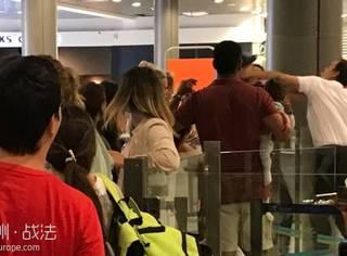 法国机场人员动手打怀抱婴儿的乘客引争议!
