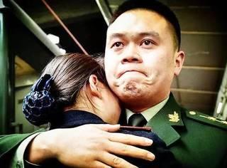 朋友圈最动人的军人照片,看完我已泪流满面