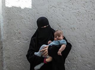那些嫁给ISIS战士的女人,她们后悔了吗?