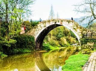 一座隐藏在四川的迷人古镇,低调的让人心疼