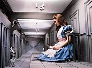 视觉错乱:我的爱丽丝梦游仙境综合征