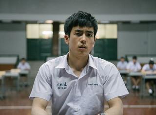 跨时区作弊,摩托车赴考,这部泰国票房冠军绝对是今年最好看的电影!