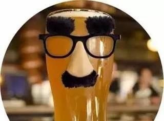 喝酒,就会有啤酒肚?这锅它可不背