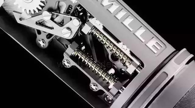 一支钢笔要价70万!拆开一看内部结构,贵的有道理!