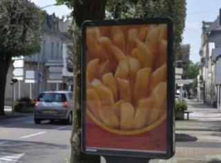 一边吃巨无霸一边撕麦当劳,法国人还真是傲娇的小公举啊