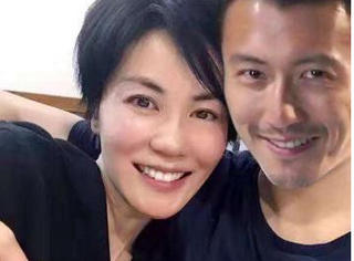 王菲谢霆锋日本机场被偶遇 两人低调分开走