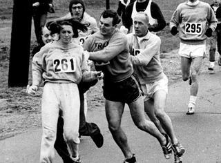 """马拉松史上的""""惊世一跑"""":太过听话的女孩很少能改变历史"""