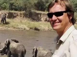 万万没想到,他保护大象20余年,却在8月被人枪杀