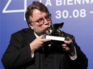 威尼斯电影节:《环太平洋》导演吉尔莫·德尔·托罗《水形物语》夺得金狮奖