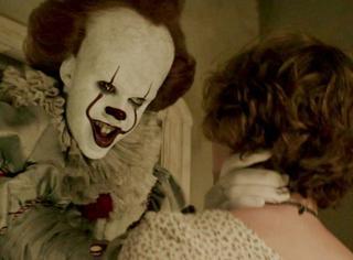 《小丑回魂》首周末票房1.8亿美元,R级低成本电影的崛起啊!