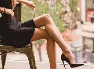 从坐姿看个性,翘哪只脚也会看穿你~~