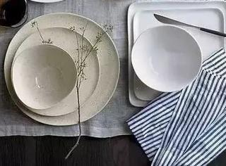 洗盘子的时候加点这个,立即光亮如新,连划痕都修复了!