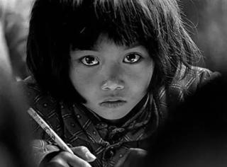 拍出《大眼睛》后,他10年走遍中国128个县,带回的照片震撼人心!