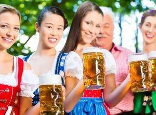 """600万游客豪饮700万升啤酒,全球""""酒鬼""""们的狂欢节,你准备好了么?"""