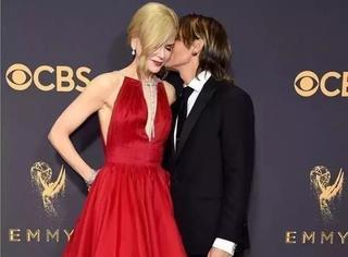 艾美奖《大小谎言》成最大赢家,但我只被妮可的红裙子迷住