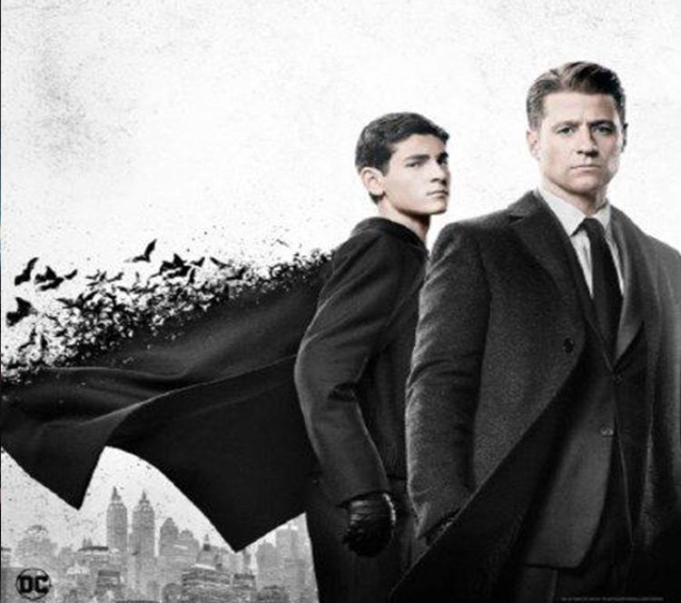 蝙蝠侠崛起,稻草人现身,《哥谭》第四季城市命运面临威胁