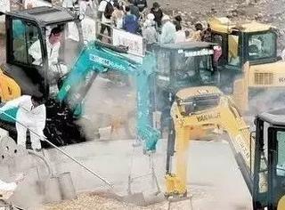 不会开挖掘机怎么做厨师!日本这一锅够3万人吃……