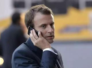 """马克龙私人手机号不慎被泄露,可怜的总统遭受了""""私生粉""""的短信轰炸。。"""