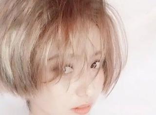 佟丽娅新发色太诱人,吴昕也是这么吸粉的