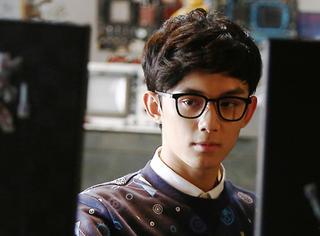 吴磊在《极致追击》是个IT小神童,看完想给技术宅小哥哥打个call