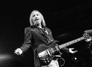 美国传奇音乐人Tom Petty去世